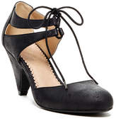 Restricted Cool Key Lace-Up Pump