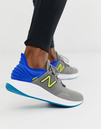 New Balance Running Roav sneakers in green