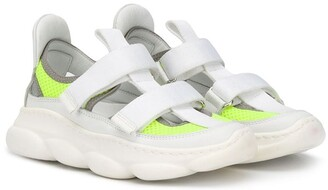 Am66 Double Strap Sneakers
