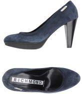 Richmond Court