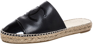 Chanel Black Leather CC Cap Toe Espadrille Mules Size 39