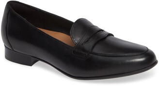 Clarks Un Blush Go Penny Loafer