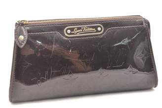 Louis Vuitton Purple Patent leather Clutch bags