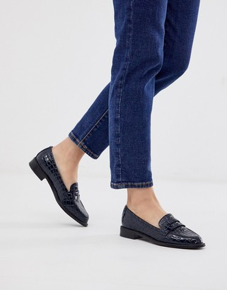 Asos Design DESIGN Mantra loafer flat shoes in navy croc