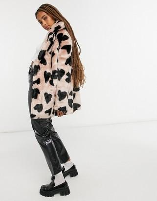 Jakke heather mid length faux fur coat in heart spot print