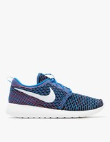 Nike Roshe One Flyknit in Blue