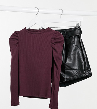 Vero Moda Petite ribbed top with puffed sleeves in burgundy