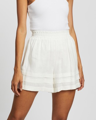 AERE - Women's White High-Waisted - Pleat Detail Pull-On Shorts - Size 6 at The Iconic