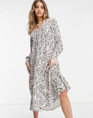 Pretty Lavish printed midi dress in grey and black abstract print