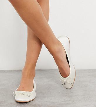 ASOS DESIGN Wide Fit Lallie ballet flats in ivory