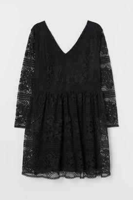 H&M H&M+ Lace V-neck dress