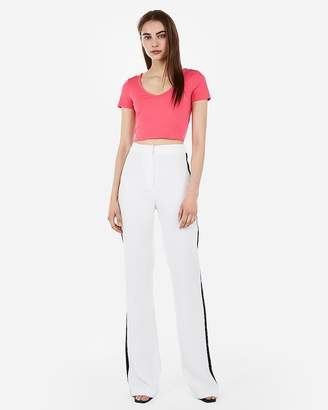 Express Cropped V-Neck Tee