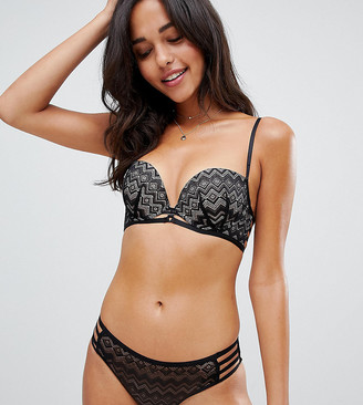 New Look Geo Lace Strapping Push Up Balcony Bra