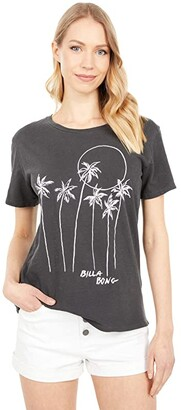 Billabong Mas Palms Short Sleeve Boyfriend Tee (Off-Black) Women's Clothing
