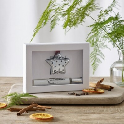 The White Company Winter Mini Star Pomander Set with Spray, No Colour, One Size