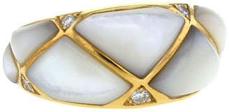 Van Cleef & Arpels 1990s pre-owned yellow gold Geometric mother of pearl and diamond ring