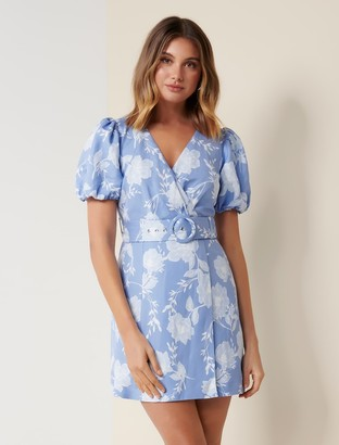 Forever New Maggie Petite Linen Wrap Dress - Blue Linear Spray - 10