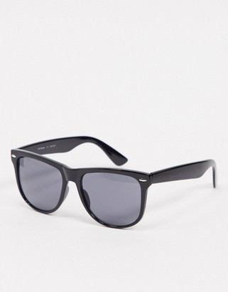 A. J. Morgan AJ Morgan large sunglasses in black