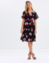 Review Spanish Rose Dress