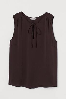 H&M H&M+ Tie-front satin blouse