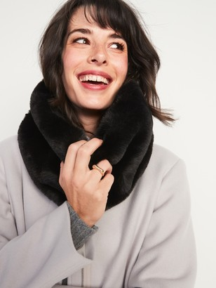 Old Navy Cozy Faux-Fur Neck Warmer for Women