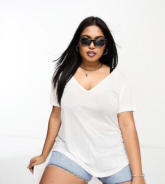 ASOS DESIGN Curve relaxed v neck t-shirt in white