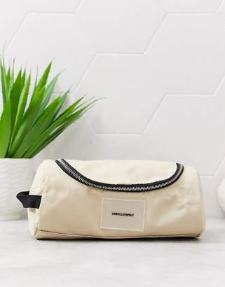 Asos Design DESIGN toiletry bag in camel with hook-Tan