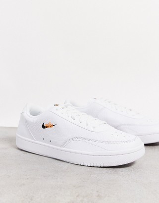 Nike Court Vintage trainers in white