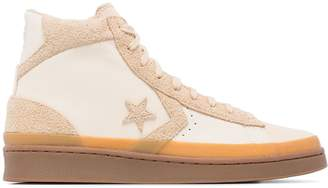 Converse Beige Pro leather 2000 high top sneakers