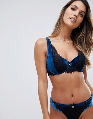 Hunkemoller Douten's Stories Allusion velour lace padded bra in blue