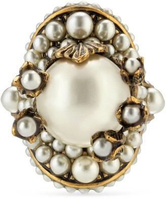 Gucci Flower ring with glass pearls