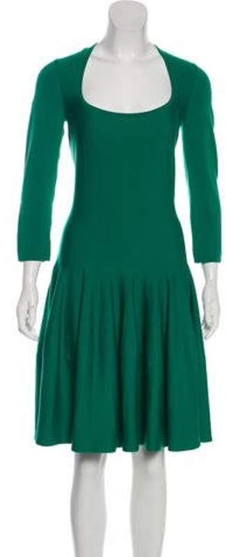 Alexander McQueen Wool Knee-Length Dress Green Wool Knee-Length Dress