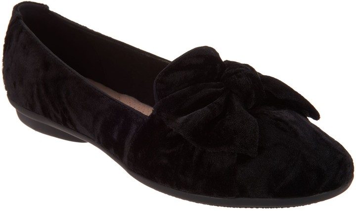 Clarks Collection Bow Detailed Flats