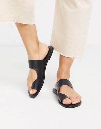 Asos DESIGN Frome toe loop flat sandals in black