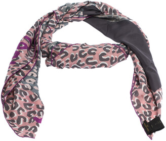 Louis Vuitton Grey & Pink Giant V Leopard Print Silk Square Scarf