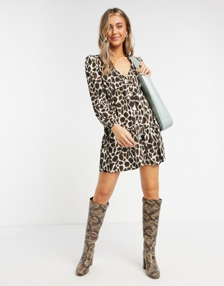 Influence button front smock dress in giraffe print