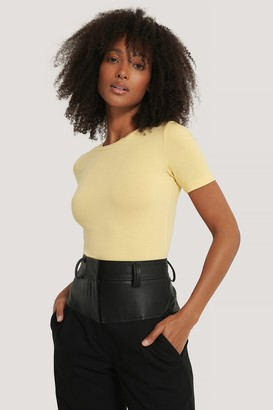 NA-KD Roundneck Tight Fit Basic T-Shirt