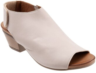 Bueno Lotus Peep Toe Sandal