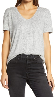 Caslon Cass Women's High/Low V-Neck T-Shirt