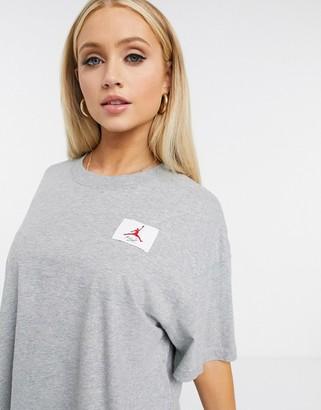 Jordan essentials boxy t-shirt in grey