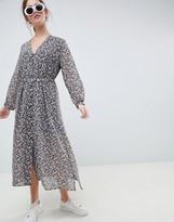 Minimum Moves By button through midi tea dress
