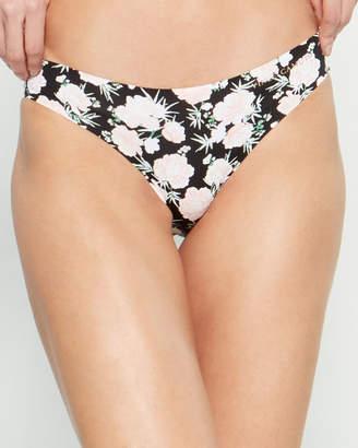 Vince Camuto 3-Pack No Show Bikini Panty