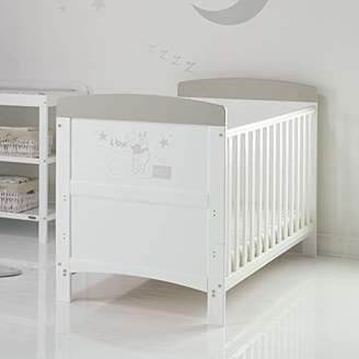 O Baby Disney Winnie the Pooh Inspire Cot Bed and Dual Core Moisture Management Mattress - Hug Me