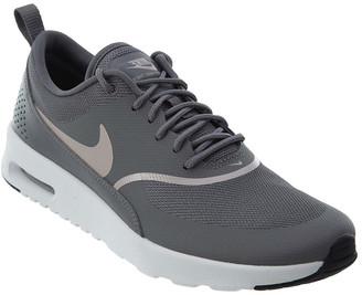Nike Leather Sneaker