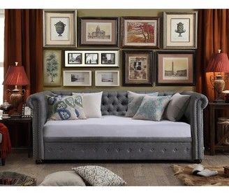 House of Hampton Bannruod Chesterfield Twin Daybed House of Hampton Color: Gray, Trundle: No