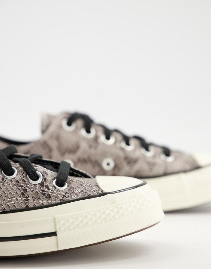 Thumbnail for your product : Converse Chuck 70 Low trainers in grey snake print