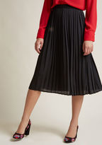 ModCloth Pleated Chiffon Midi Skirt in Black in 2X