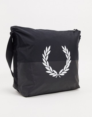 Fred Perry nylon logo messenger bag in black