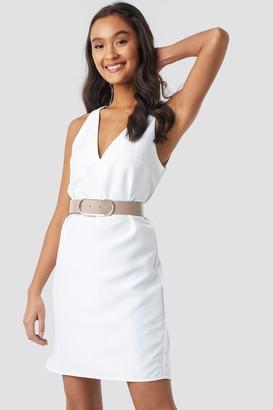 NA-KD Straight V-Neck Mini Dress White