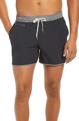 vuori 5-Inch Banks Hybrid Shorts